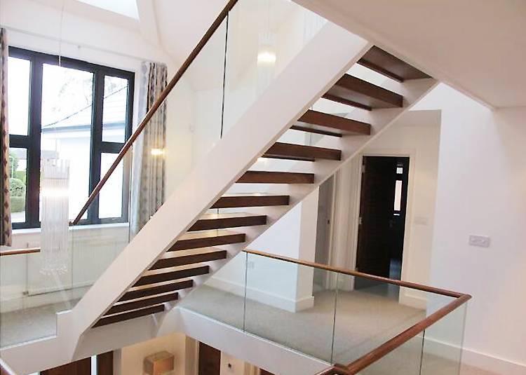 Straight U shape stair