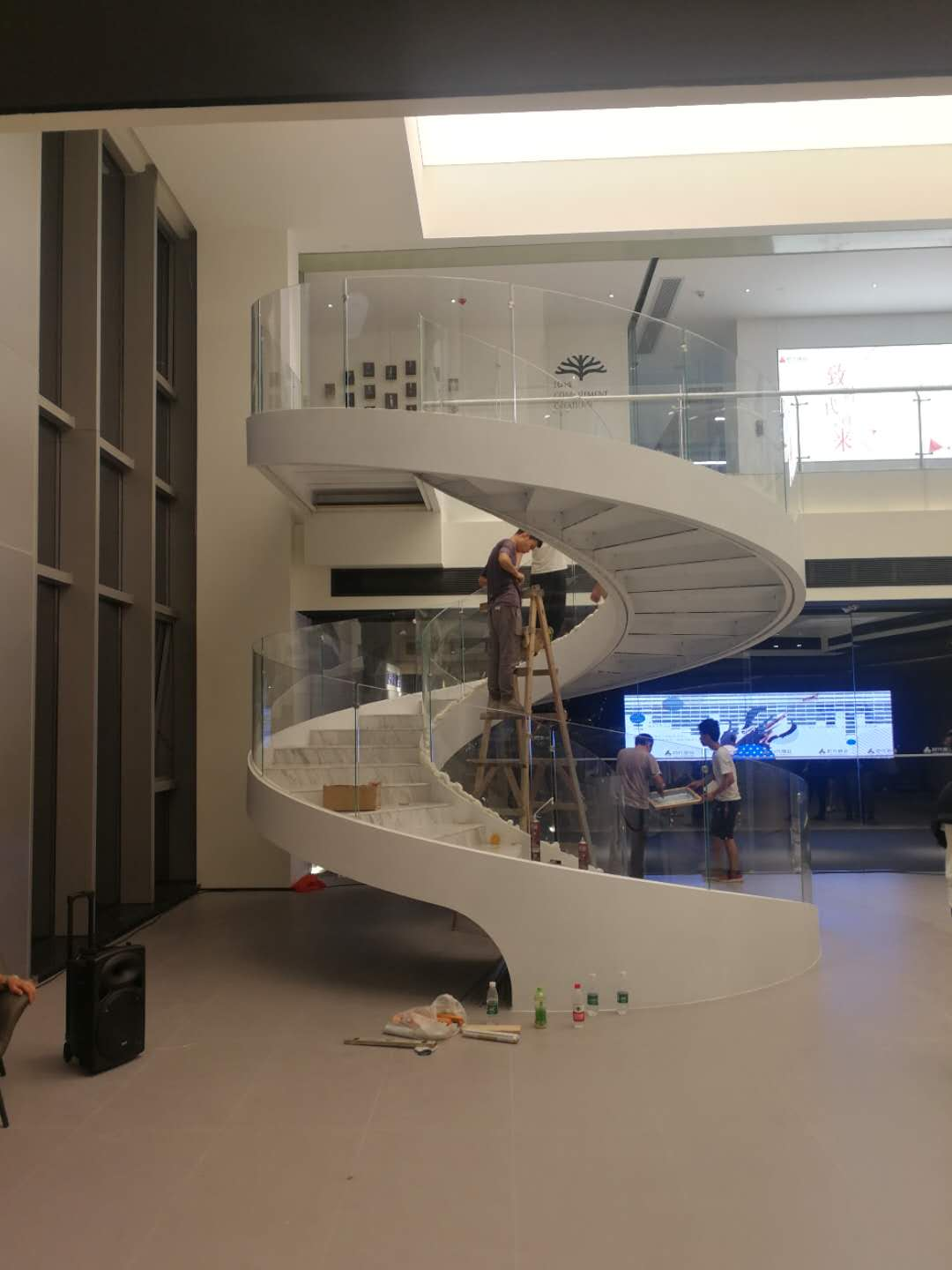 New contemporary curved staircase wholesale for indoor-2