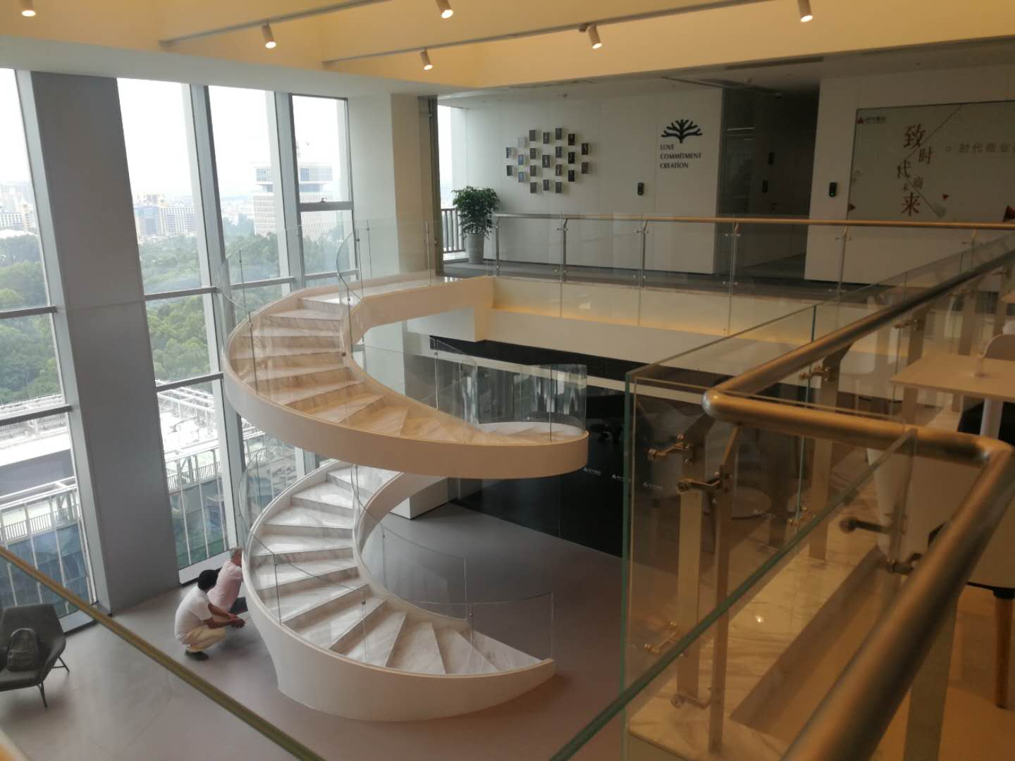 New contemporary curved staircase wholesale for indoor-3